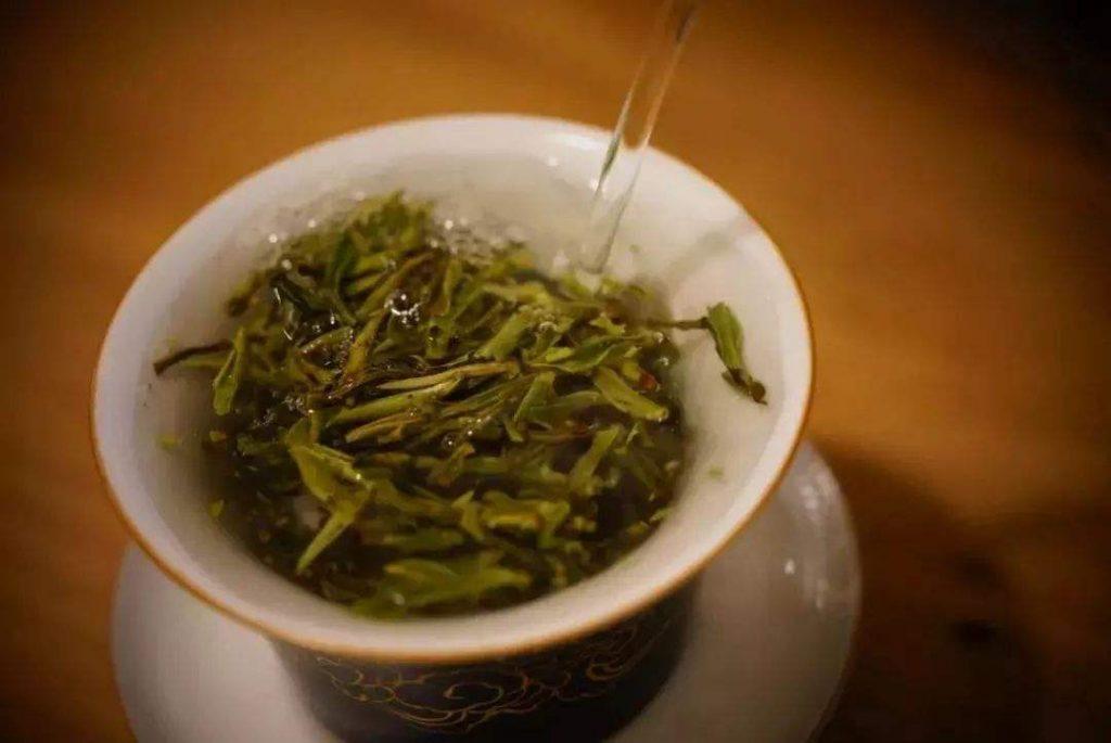 为什么越来越多人喝安顶云雾茶?绿茶的五大好处!